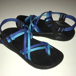CHACO double blue strap z/2 sandals 10
